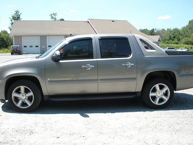 2009 chevy avalanche l t l and m auto used cars in the berkshires used car dealers in the. Black Bedroom Furniture Sets. Home Design Ideas